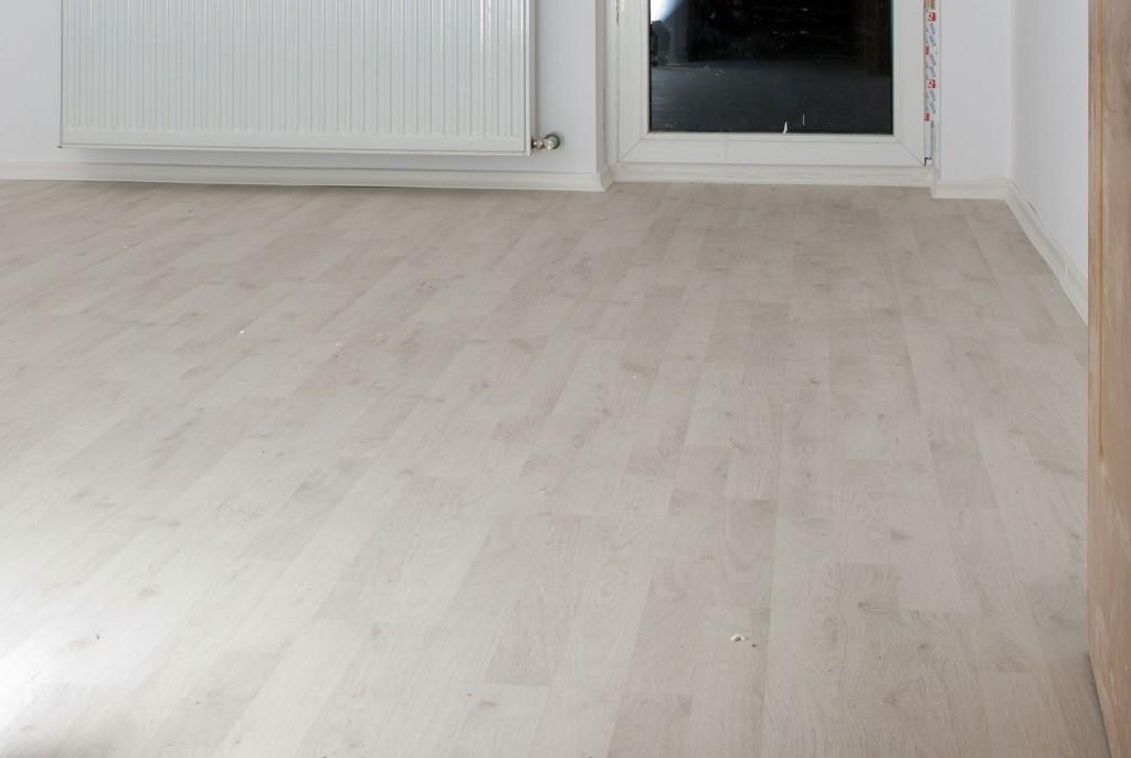 Download installing laminate flooring under door jambs for Put a floor under
