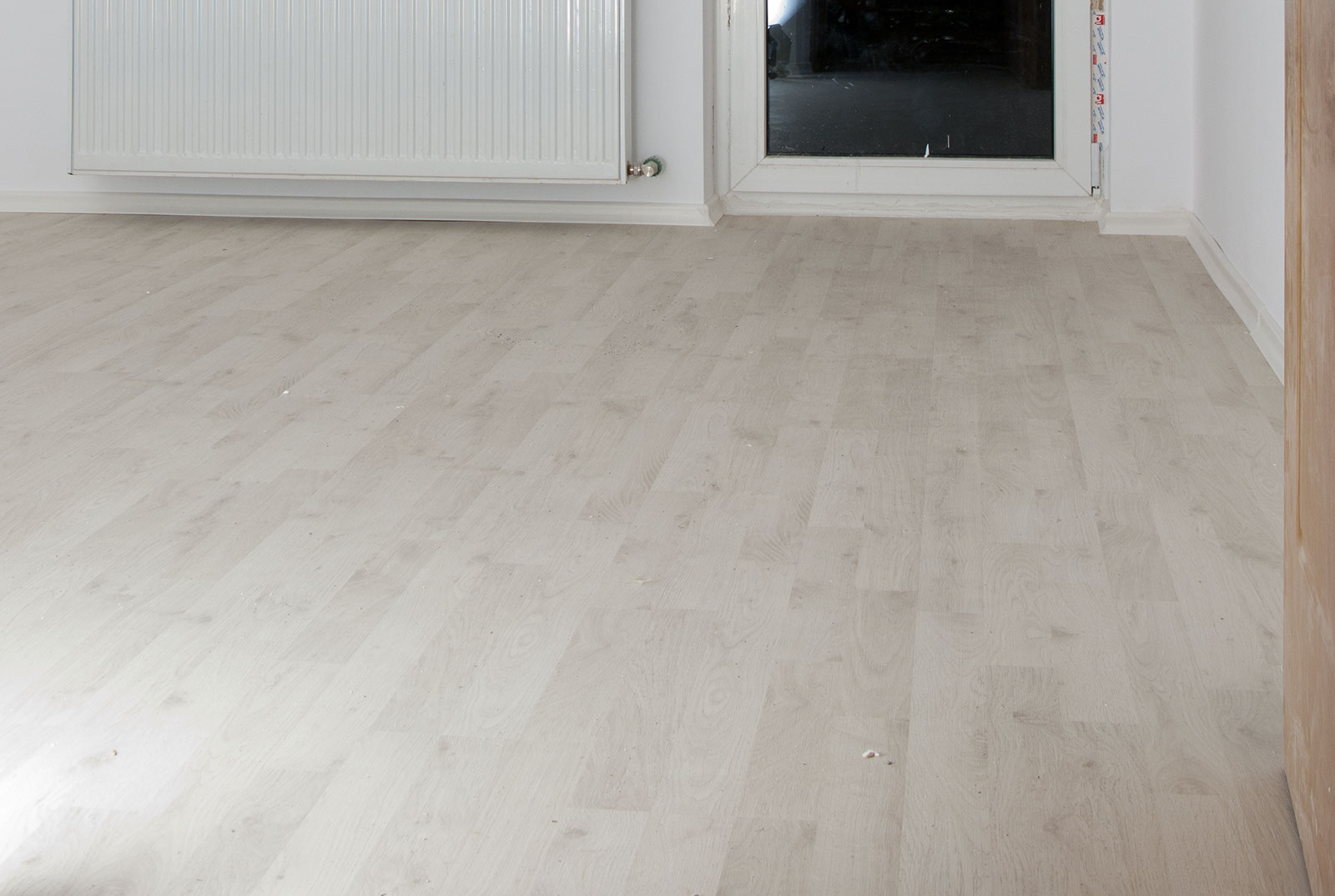 How To Lay Laminate Flooring Around Doors Ehowcom | Apps Directories