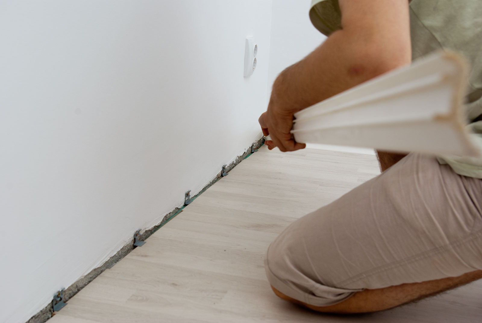 How to install baseboard trim | HowToSpecialist - How to Build ...