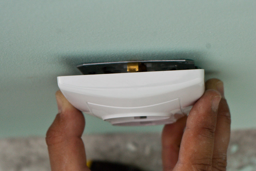 How to wire and install an electric outlet | HowToSpecialist - How ...