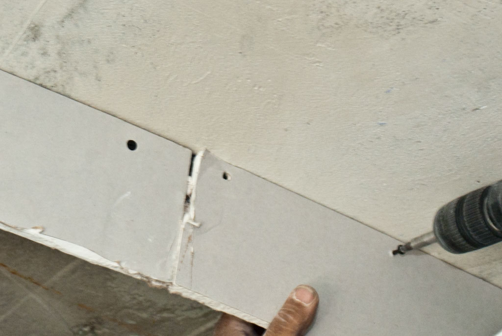 Drywall ceiling arch joint