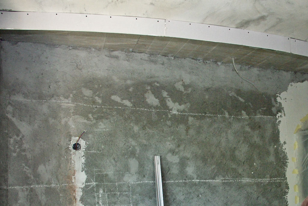 Building the drywall ceiling arch