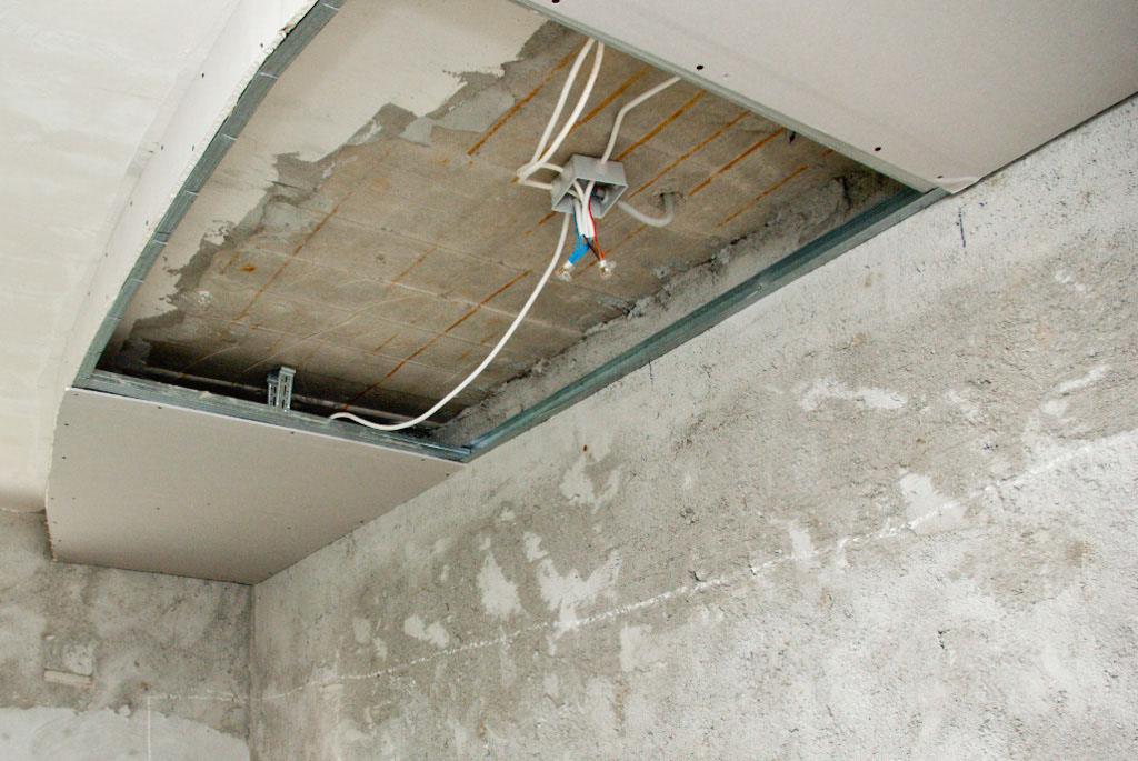 Installing electrical wires in the drywall ceiling
