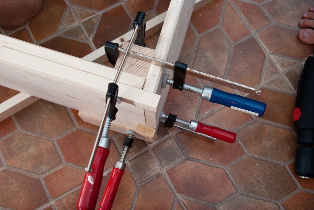 Awesome Clamps bed frame joint