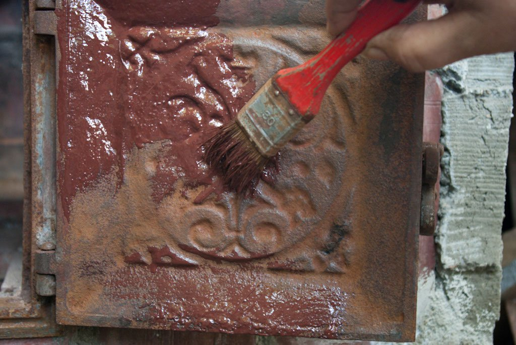 Rusting Paint Iron Painting The Cast Iron With