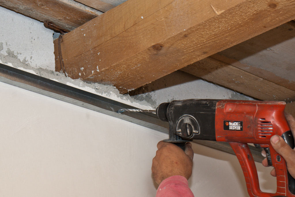 How To Install Metal Stud Ceiling Howtospecialist How