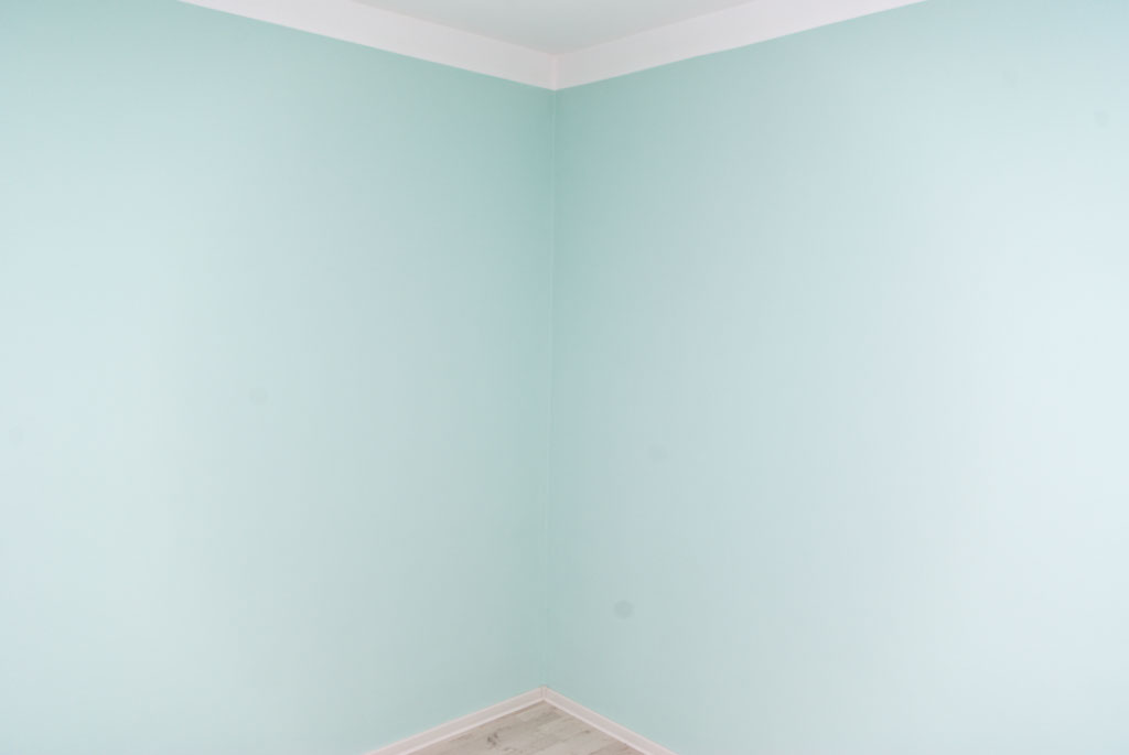 Paint a room diy