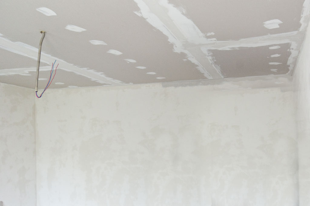 Finishing drywall ceiling