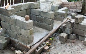 Building brick walls for the outdoor kitchen