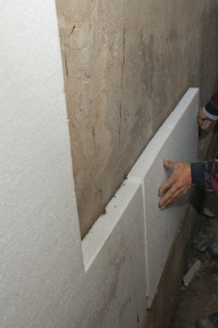 Installing polystyrene sheets