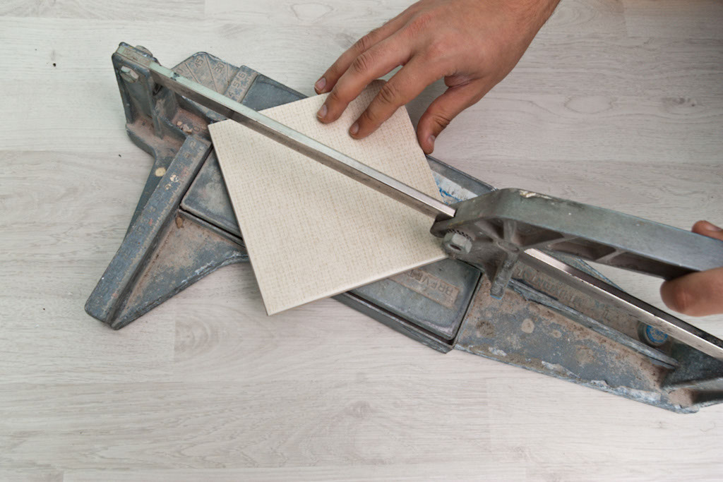 Cutting ceramic tile diagonally