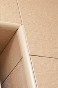 Exterior tile corner joint