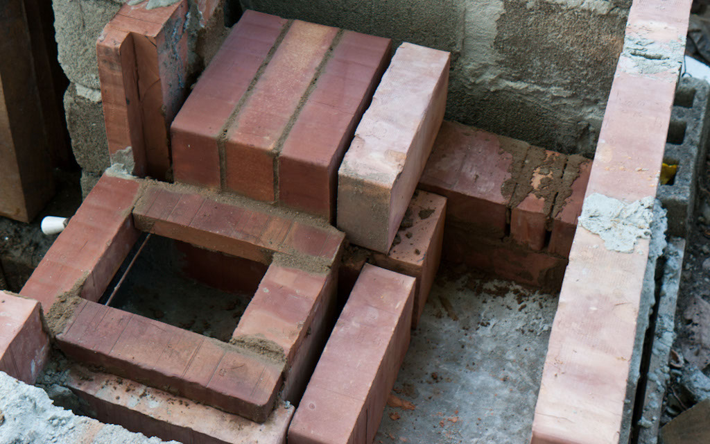 Fire Clay Mortar Recipe : How to build an outdoor stove howtospecialist