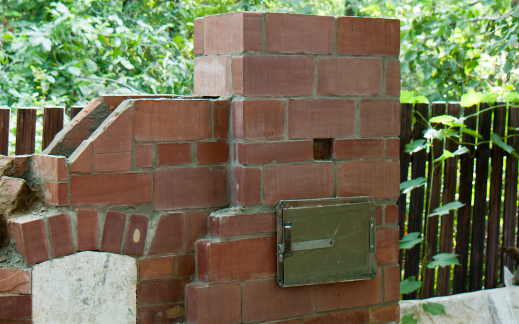 Constructing another layers of bricks