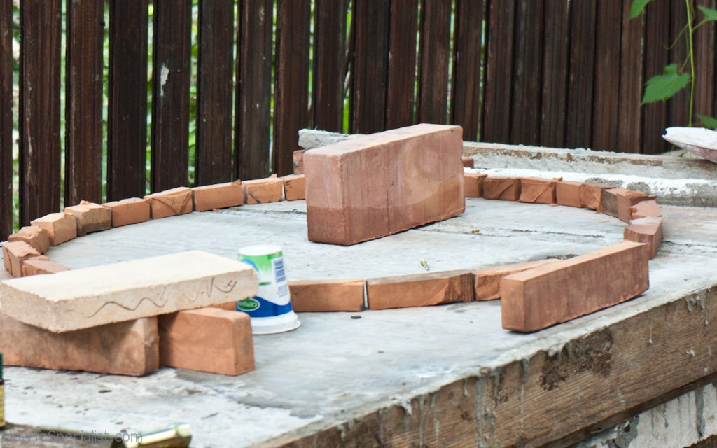 Creating the pizza oven' base