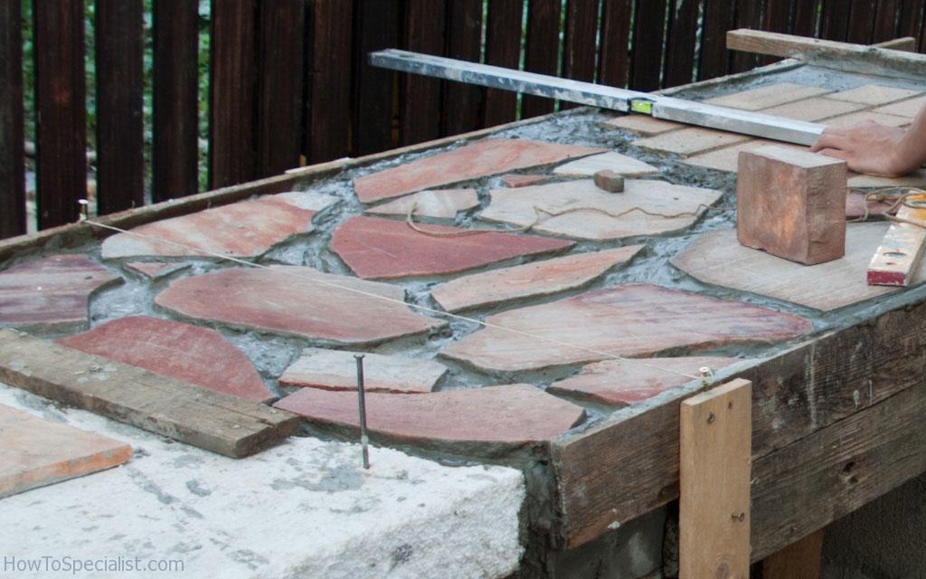 Outdoor kitchen's flagstone