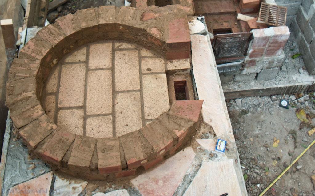 Pizza oven taking shape