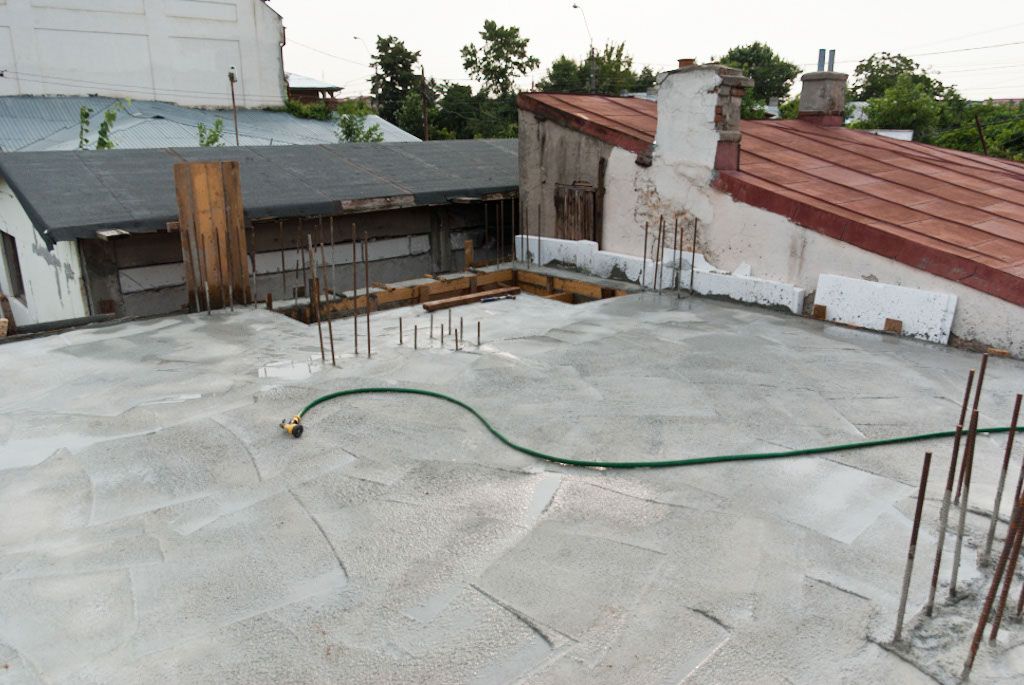 How to build a concrete ceiling howtospecialist how to for What temperature to pour concrete outside