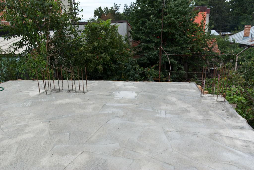 Constructing concrete ceiling