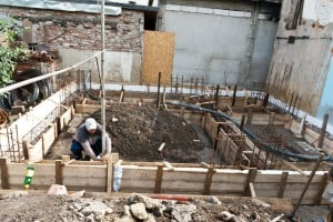 Securing the formwork