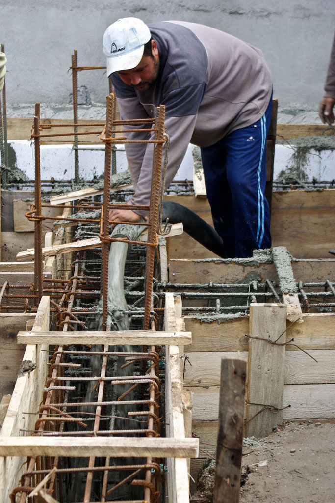Pouring concrete in the formwork