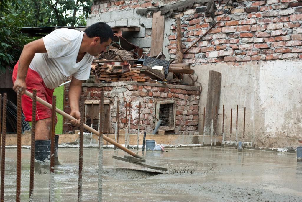 Finishing concrete slab
