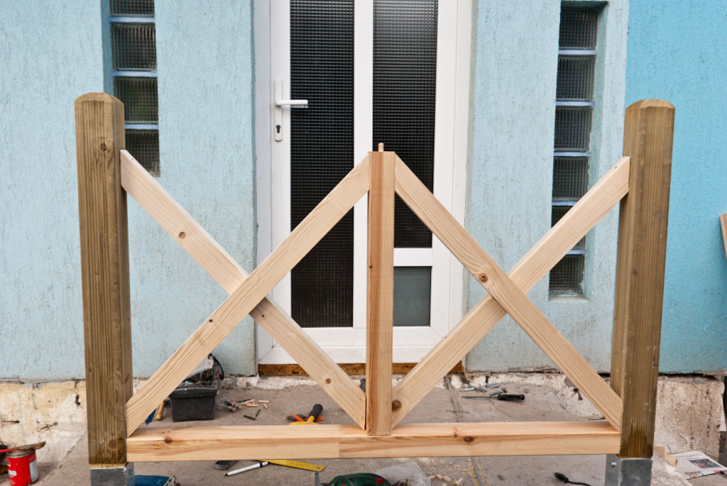 How to build deck railings