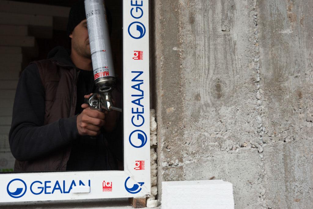 Sealing the PVC window