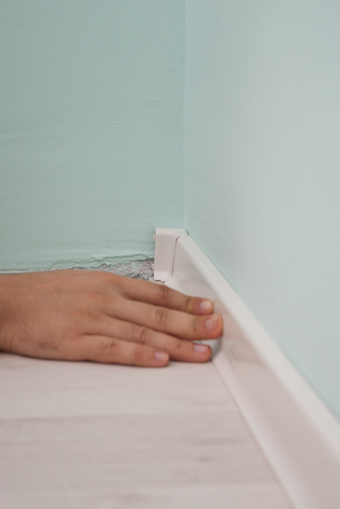 How To Install Rubber Baseboard Howtospecialist How To