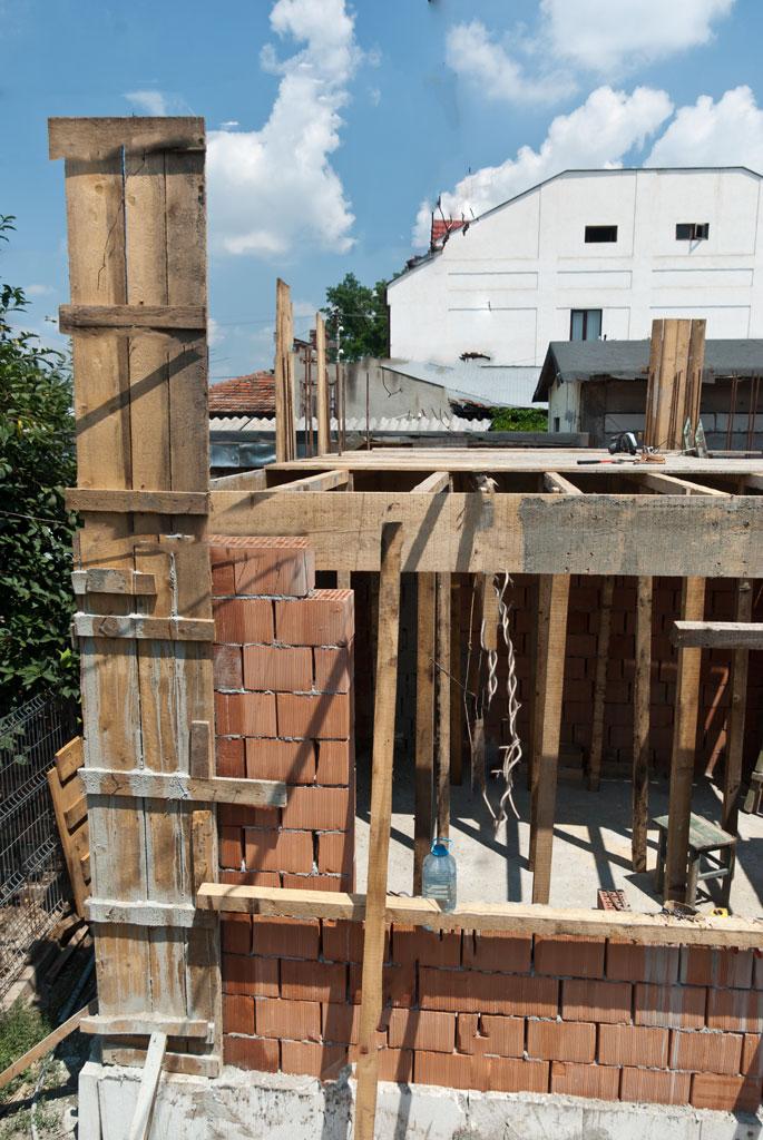 Building ceiling formwork