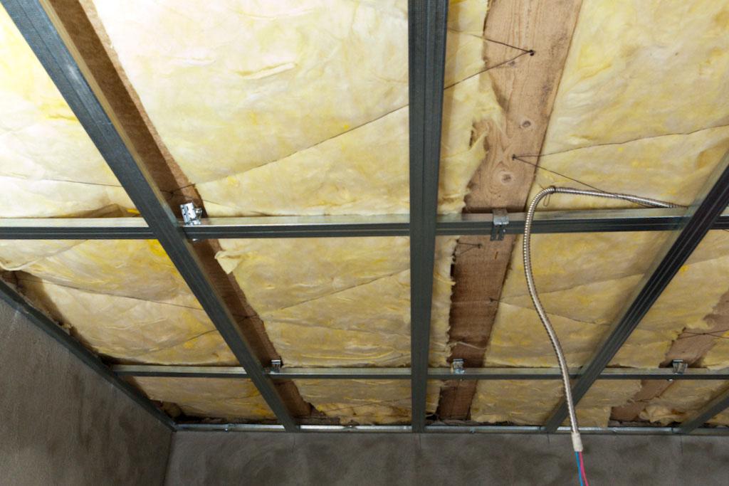 Installing a metal stud ceiling