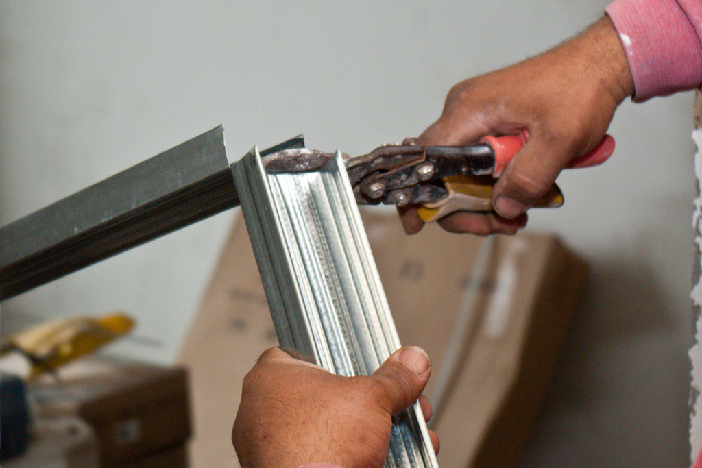 Cutting metal studs