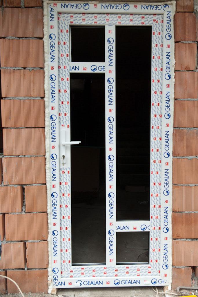 How to install PVC door