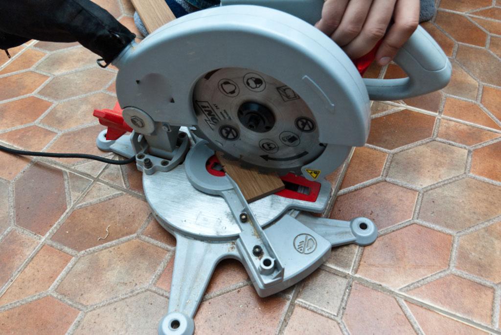 Cutting door trim with miter saw