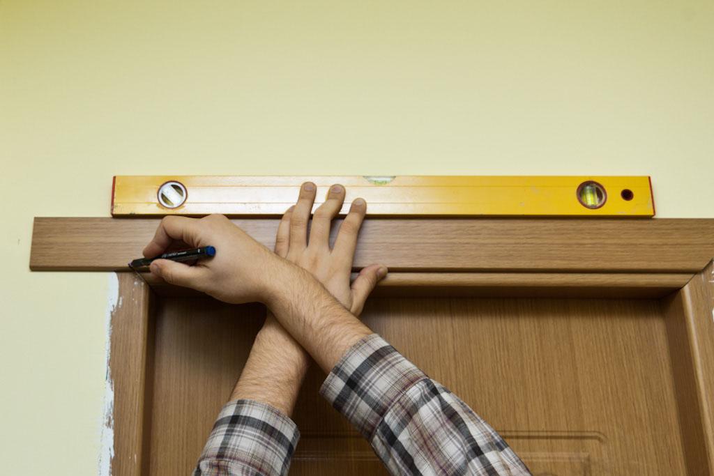 Marking cut line on door trim