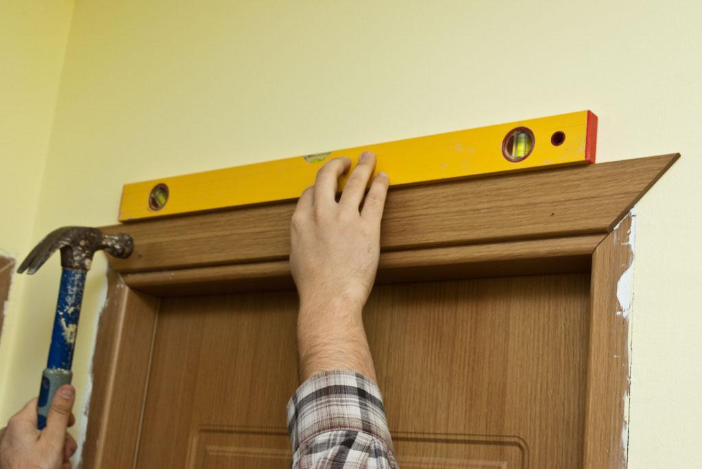 Installing head door casing