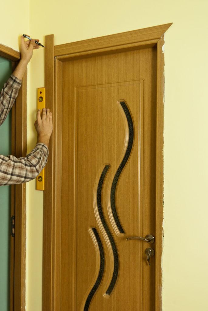Marking side door casing
