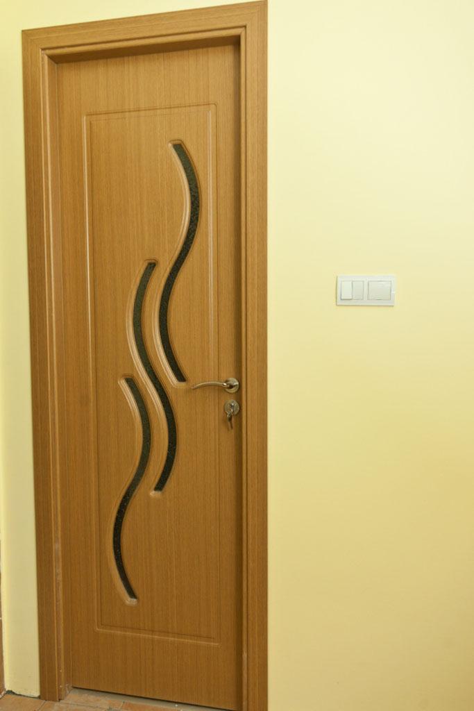 Installing door casing