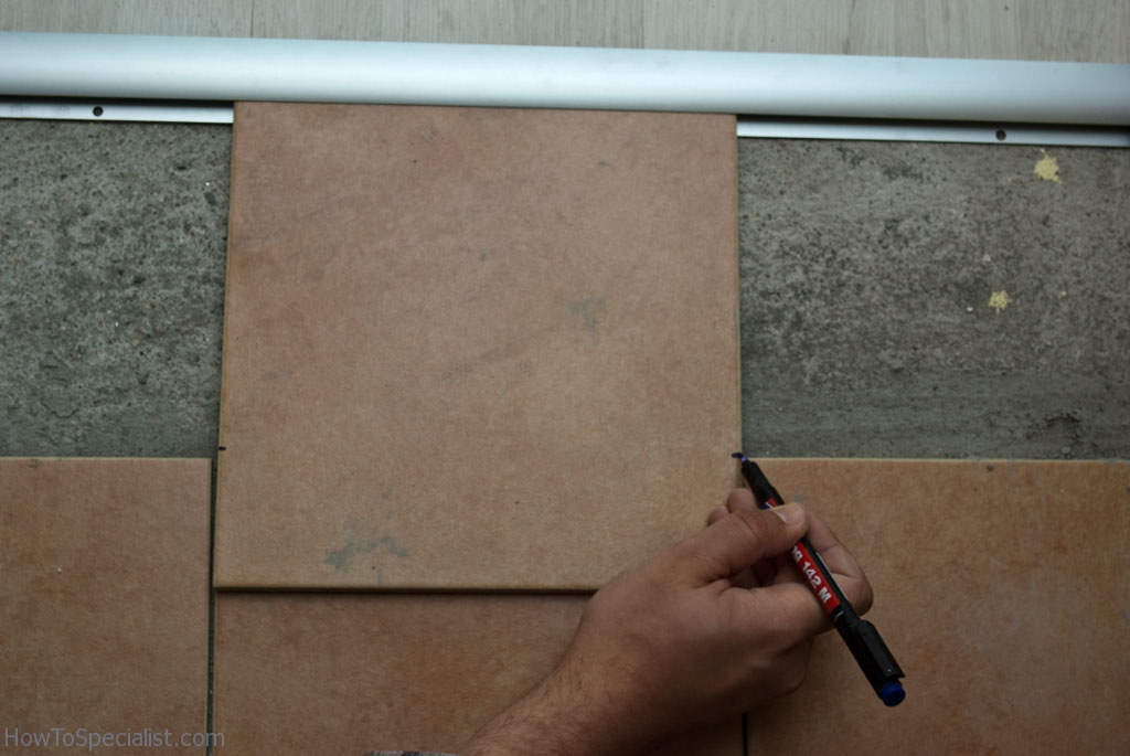 Measuring ceramic tile