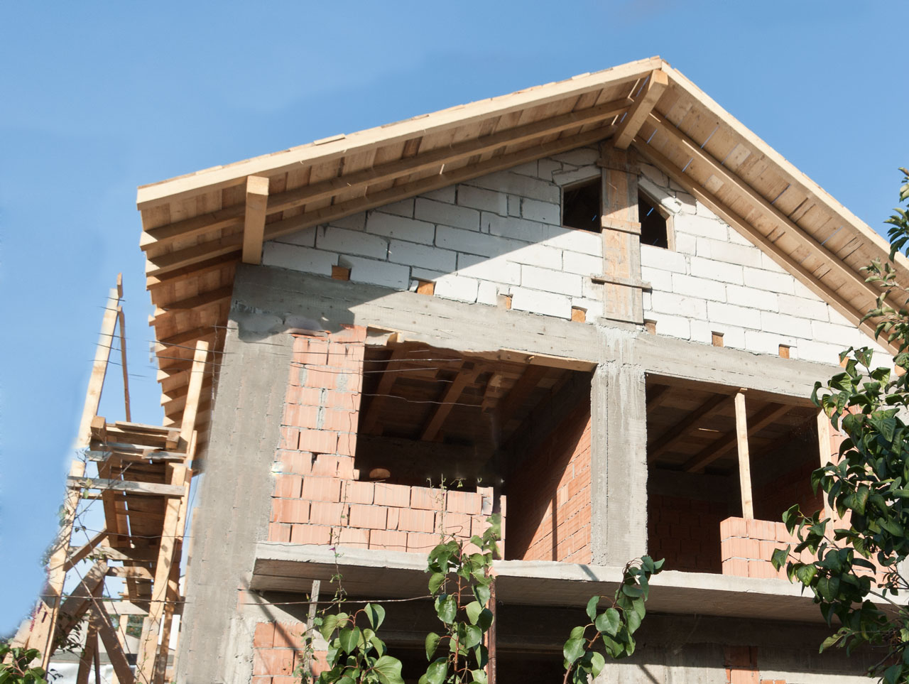 Brick house construction howtospecialist how to build for House building contractors