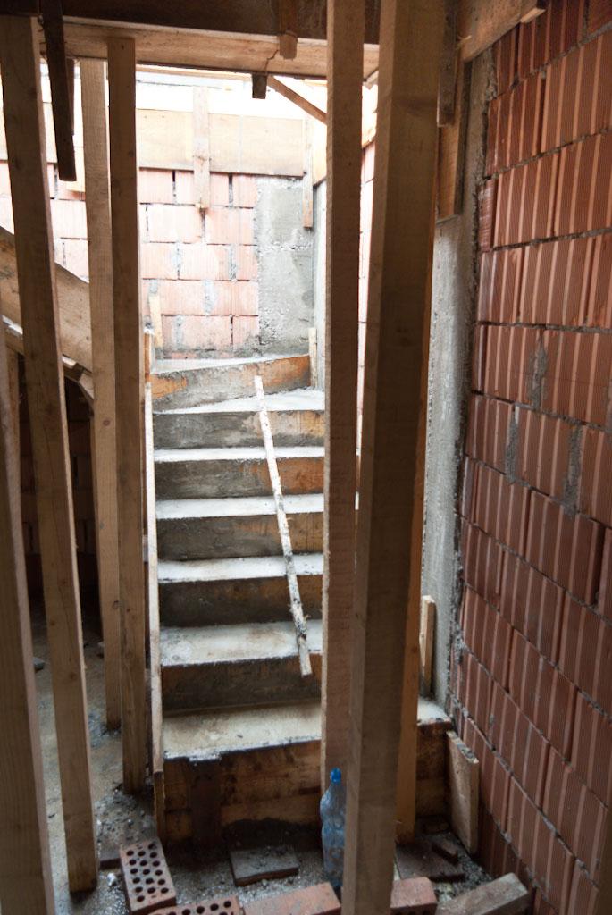 Concrete stair building