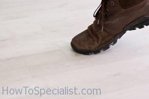 How To Fix Laminate Flooring Gaps Howtospecialist How