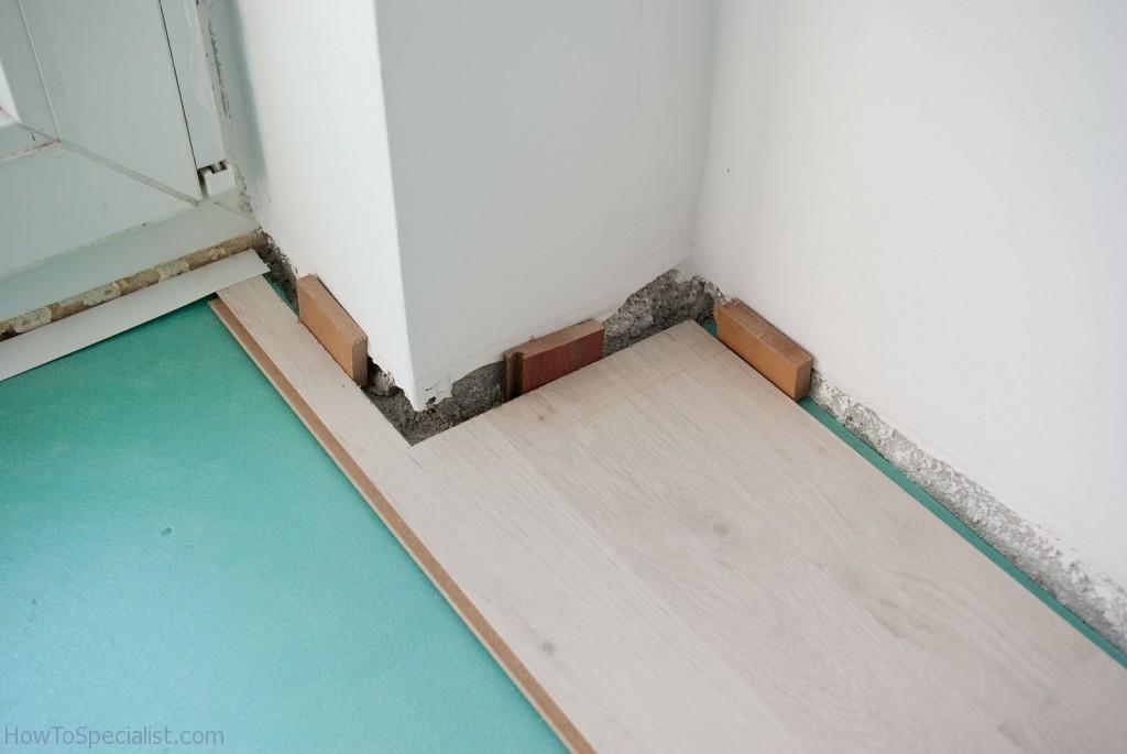 How to lay laminate flooring around corner