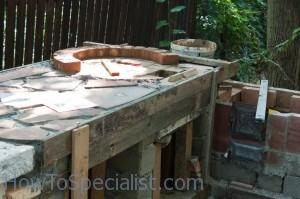 Making brick pizza oven