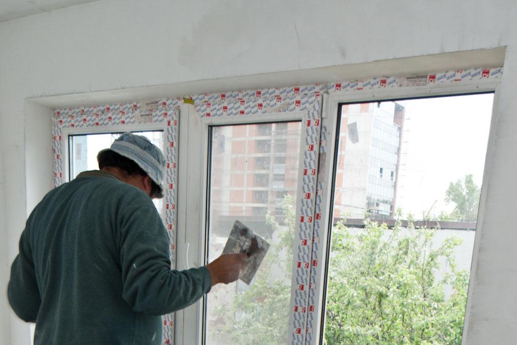 Applying the finish plaster