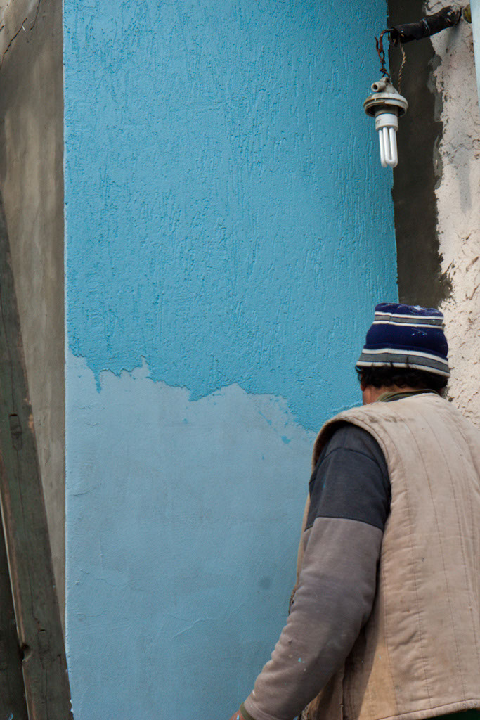 How to texture paint walls