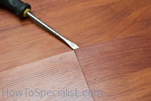 Laminate Flooring: Place Spacers Laminate Flooring