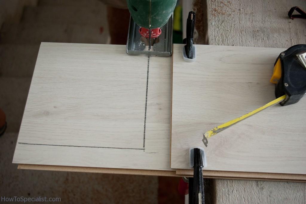 Cutting laminate flooring
