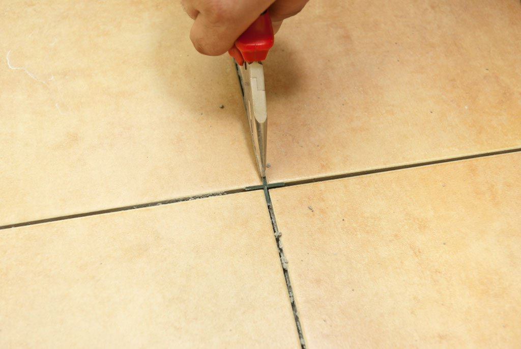 Removing tile spacers