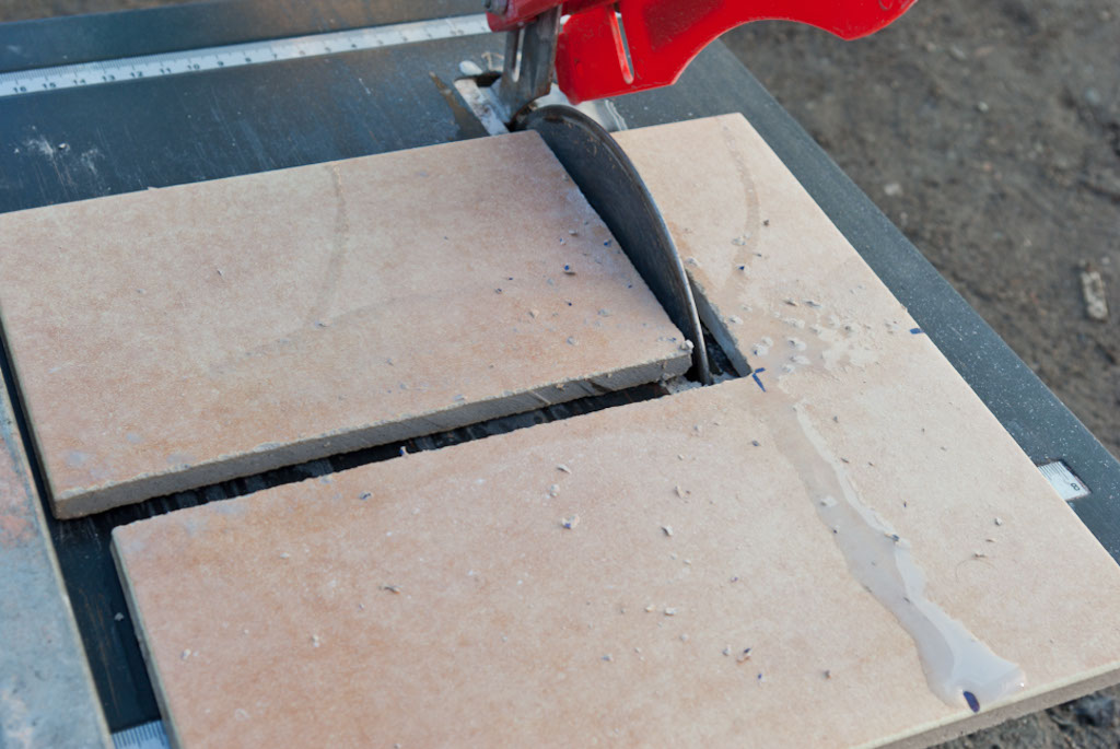 Using a wet saw